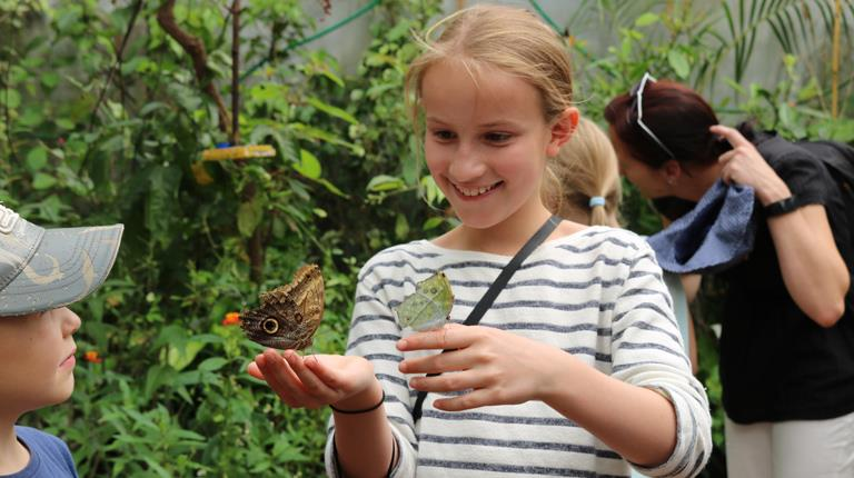 The group visited the Butterfly House at Marburg's Botanical Garden. Leni, pictured here, is the daughter of an employee at CSL Behring's leading-edge facility in the city.